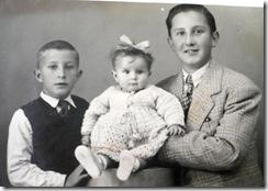 Primo Manolo y sus hermanos Antonio y Pepita