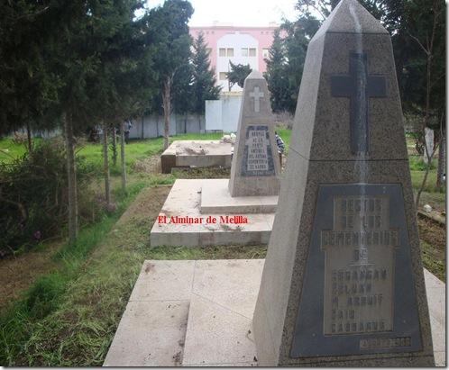 monolitos-del-cementerio-de-nador1